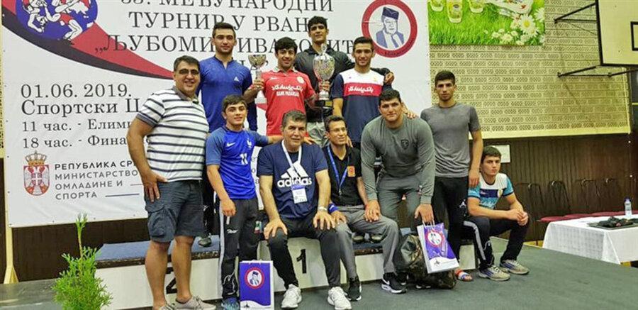 ایران قهرمان کشتی فرنگی جام لوبومیر ایوانوویچ صربستان و باوفا بهترین مربی شد