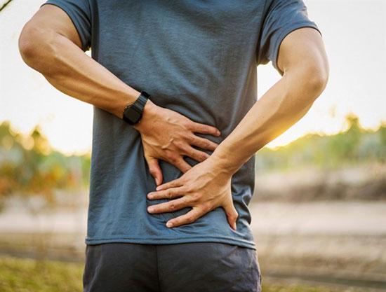 علائمی که نشان می دهند درد بالای کمرتان جدی است