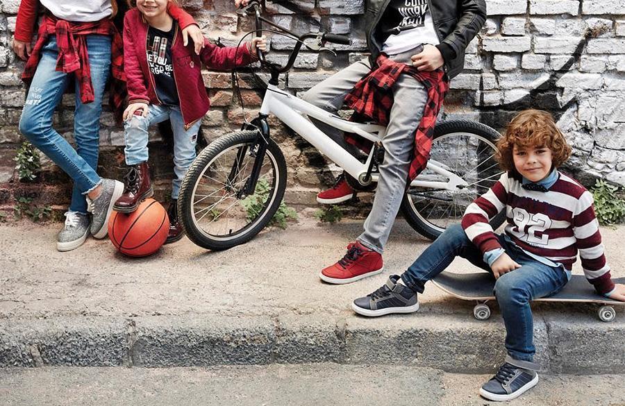 راهنمای گام به گام برای انتخاب مدل کفش مدرسه