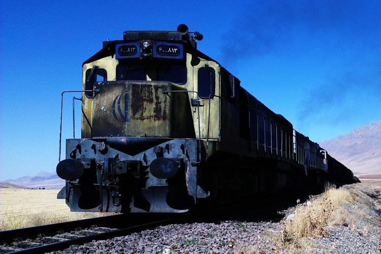 ورود نخستین قطار گردشگری داخلی به زاهدان