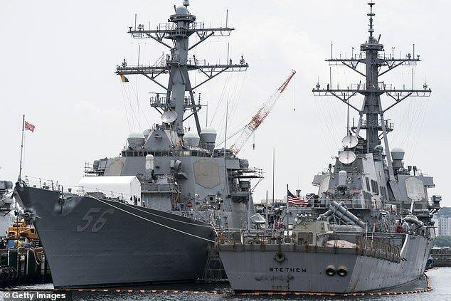نیروی دریایی آمریکا تایید کرد: از ما خواسته شد نام مک کین روی ناو تعیین نباشد