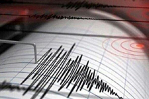 زلزله در قم ؛ مردم در بیم در خانه ماندن و بیرون زدن ، ترس از کرونا یا فرار از زلزله