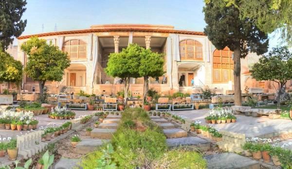 در کاشان و شیراز کدام موزه ها را ببینیم