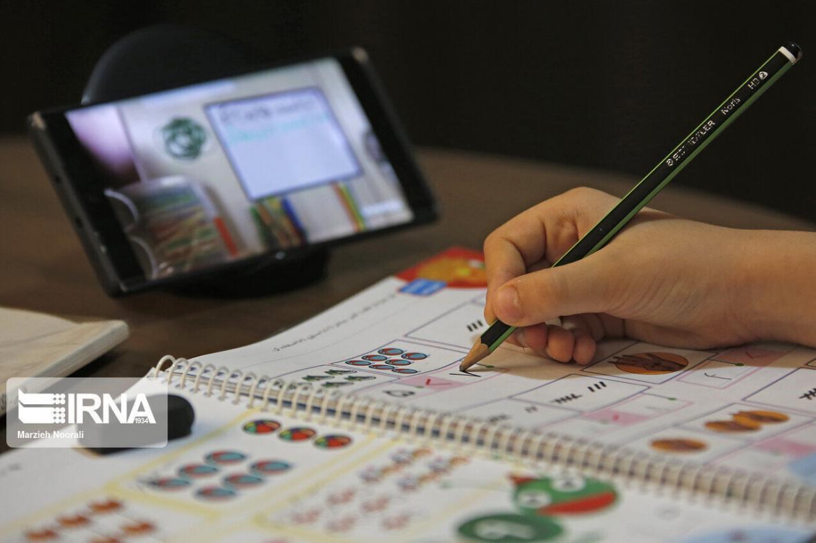 خبرنگاران ثبت نام 44.5 درصد دانش آموزان شاهین دژ در سامانه آموزشی شاد