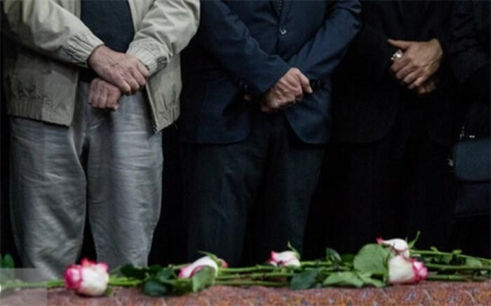 گزارشی از روز انتظار مردم برای تشییع استاد شجریان